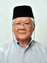 Is An Emeritus Professor In The Performing Arts Department At Cultural Centre University Of Malaysia He Has Lectured Across World Many